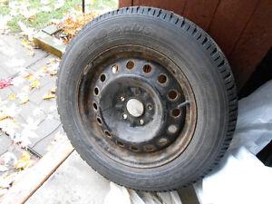 """4 Roues d'acier 16"""" et pneus d'hiver"""