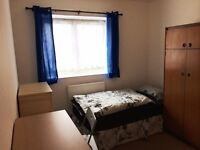 Nice room to share with a man to rent in Limehouse, all bills included, free wifi, ID:465