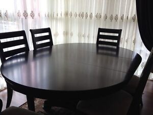 Dining set (Expandable table top) unbelievable Deal... Downtown-West End Greater Vancouver Area image 2