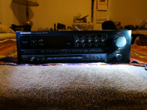 Pioneer Stereo Receiver. SX-251R