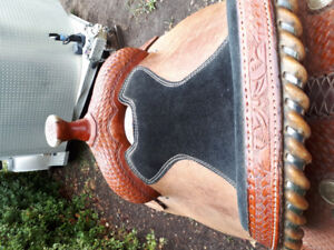 "141/2"" seat saddle for sale in great condition"