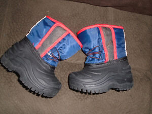 Baby Boots size 4 new , never worn $10 (tag was removed) ***