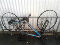 """26"""" Huffy Mountain Bike JUST NEEDS SOME PARTS. 40$"""