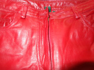 Red Leather ladies pants size 4-   recycledgear.ca Kawartha Lakes Peterborough Area image 2