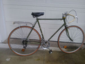 RALEIGH SPRITE 27 CLASSIC BIKE FROM 1970's** INC. PAIR FENDERS