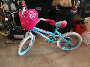16 inch girls bike with training wheels
