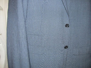 100% brand new two piece men's suit size 42 Kitchener / Waterloo Kitchener Area image 2
