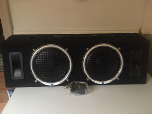 """Selling a sub box with 2 8"""" speakers and 2 tweeters in it. Has b"""
