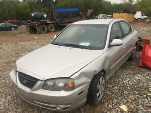 2005 HYUNDAI ELANTRA  PARTING OUT 2.0 L
