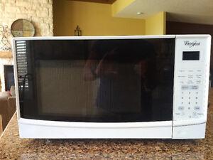 Whirlpool Microwave-LIKE NEW!