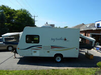 Jayco Hybrid Travel Trailer - JayFeather Ex-Port 17C