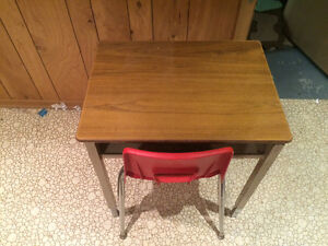 Sturdy school desk and chair London Ontario image 2