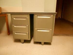 meubles en métal  et armoires