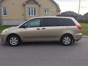 2004 Toyota Sienna 3.3 Familiale 8 places