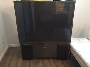 A donner Tv Toshiba 52 pouces Acl