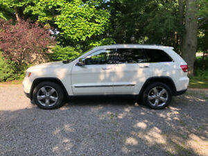 2011 Fully Loaded V8 Jeep Grand Cherokee Limited ~ CERTIFIED