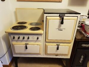 Antique 1950 General Electric Oven