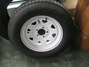 One Tire and Rim, ST 205 75 D15, 5 bolt