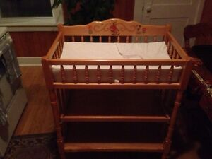 Changing table / station