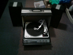 RCA SUITCASE RECORD PLAYER