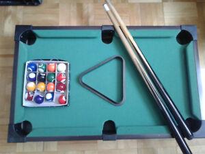 Mini table pool