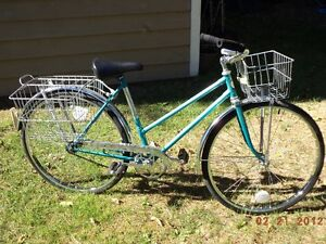 RETRO WOMENS CRUISER