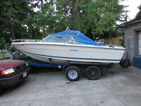 17 Ft Motor Boat 165HP In/out board with dual axle trailor