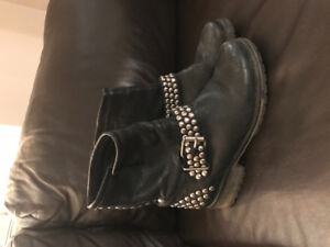 Steve Madden studded booties - Size 7.5