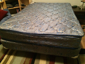 Double bed mattress, boxspring and frame