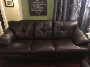 Football leather couch - 800 obo Campbell River Comox Valley Area image 1
