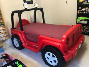 Little Tikes Jeep bed with mattress