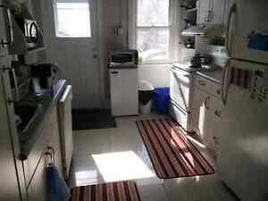Short term sublet - May 2016
