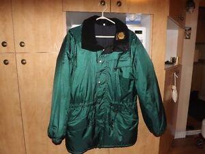 Manteau 3/4 pour femmes, Marque CANUK, Grandeur 3, Vert.
