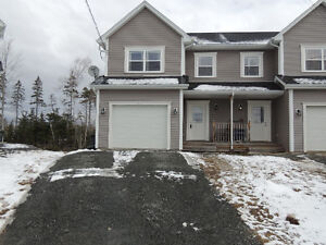Spacious 4yr old home with garage!! Exit 8 Elmsdale/Enfield