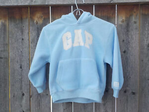 GAP KIDS - BABY BLUE FLEECE HOODIE SIZE 5/6 NW -TAGS