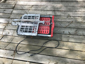 Wet tile saw 50$