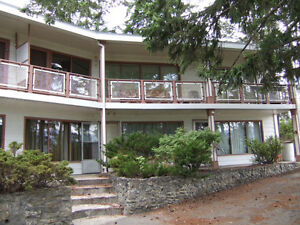Great large 1 bedroom in Salmon Arm/Available Immediately