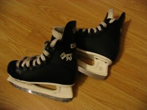 Youth Size 13 CCM - (Champion 90)