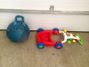 Ball bouncer and push toy