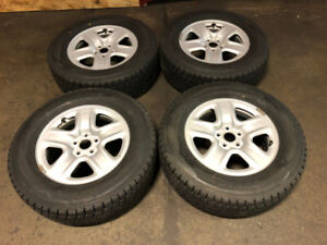 TOYOTA RV4 RIMS METAL WITH WINTER TIRE DUNLOP 245/65R17 FOR SALE