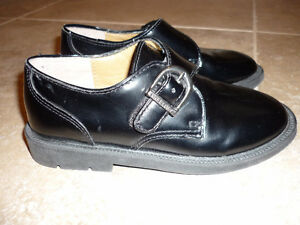 Boy's Stride Rite Leather Dress Shoes - size 11M