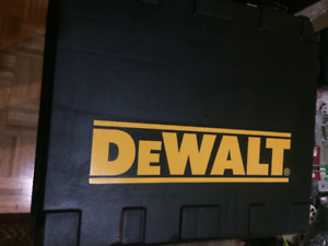 New Never used DeWalt 18v XRP 3-speed Hammer Drill this is heavy