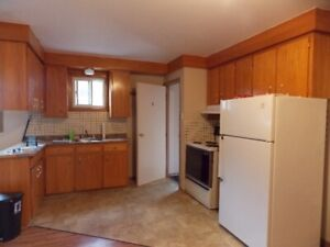 Small 2 bedroom Apartment for rent $925.00 Inclusive