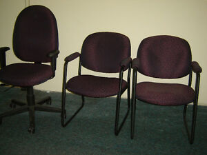 Used office chairs , reception chairs also executive chairs Regina Regina Area image 5
