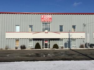 Entrepôt / espace commercial à louer