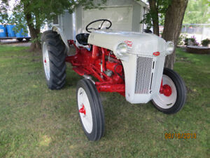 vintage weekly old auction tractors ford farmers machinery for