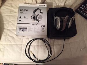 Beyerdynamic DT880 Premium studio audiophile headphones 250ohms