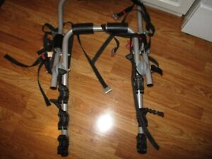 3 bike trunk mount trailor hitch EXCELLENT SHAPE