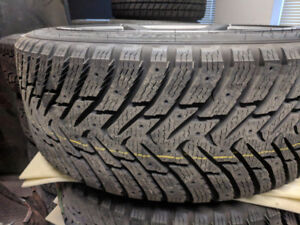 NEW winter kit 225/45R19 Nokian Hakka 9 with mags for BMW5 ser 5