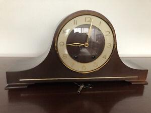 Vintage mantel clock